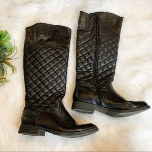 Black boots with quilt pattern
